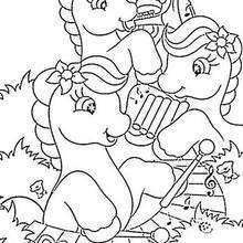 صفحة تلوين أحصنة بوني تعزف الموسيقى