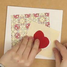 القلب في بطاقة فتحة
